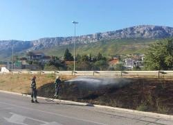 Lokaliziran požar pored brze ceste Solin – Trogir