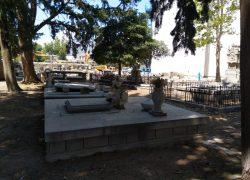 Zaslužuje li staro groblje malo bolji tretman? (video)