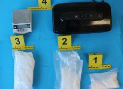 """Policijska potjera urodila plodom, """"palo"""" 842 grama kokaina"""