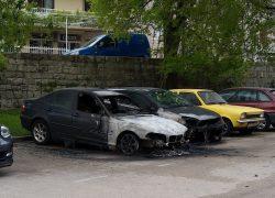VIDEO/FOTO U Solinu izgorio BMW, istraga u tijeku