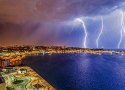 Veliki uspjeh splitskog lovca na oluje: Split među 14 fotografija kalendara Svjetske meteorološke organizacije za 2018. godinu