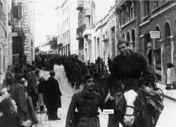 Na današnji dan u Sinju su strijeljana 24 mladića iz Splitskog i Solinskog partizanskog odreda. Osudio ih je prijeki sud, no nitko ih se nije sjetio na Dan žrtava totalitarnih režima